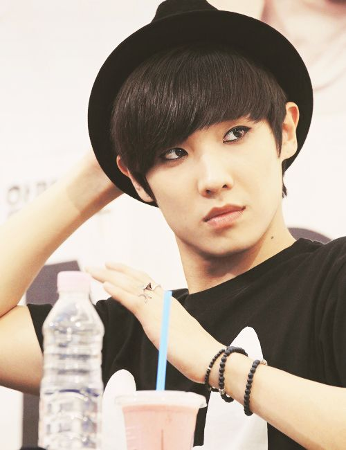 Lee Joon, the smooth cutie who looks sleek with a hat on. (MBLAQ) ♡