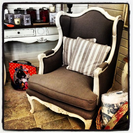 Louis XV armchair availbale at My French Neighbor Orlando, onale (-25%) : $1125.
