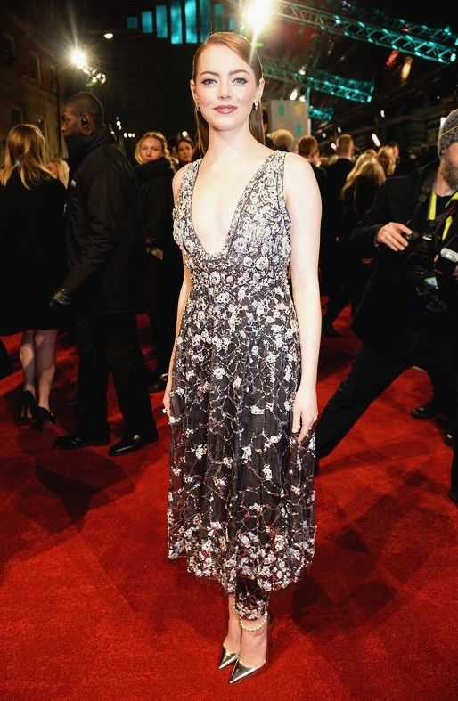 Emma Stone in Chanel couture is gorgeous! #BAFTAs