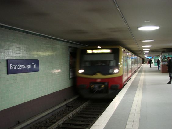 Brandenburger Tor (U-Bahn) - Berlín
