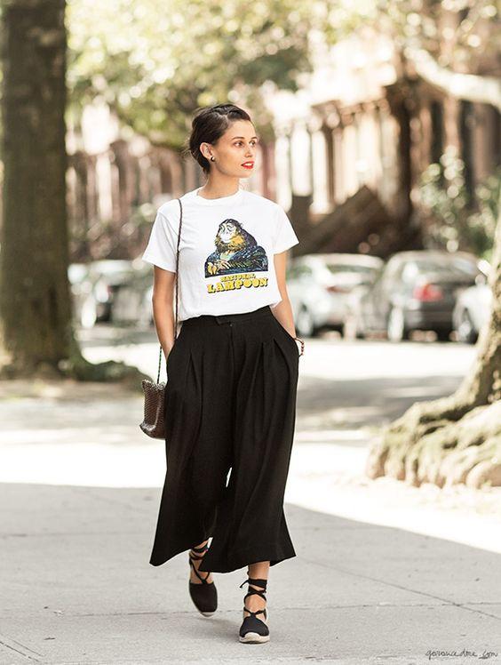 Lisa Mayrock, Clinton Hill NY, black culottes, espadrilles, white t shirt / Garance Doré: