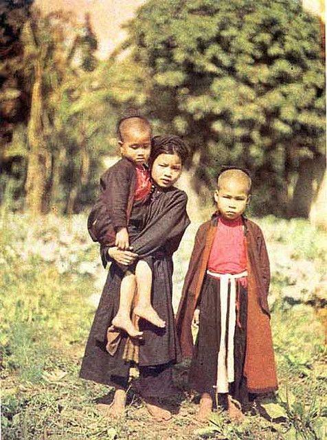Group of Tonkin girls, 1916