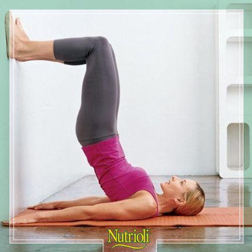 Tonifica tu abdomen con este sencillo ejercicio:  1. Acuéstate boca arriba con los brazos a los lados, dobla las rodillas y pon los pies en la pared.  2. Levanta la espalda baja y media del piso, manteniendo los hombros en el suelo.  3. Mantén la posición durante una inhalación profunda y exhalando regresa a tu posición inicial. 4. Repite 5 veces y descansa.  Combínalo con tu rutina de ejercicio habitual y obtén mejores resultados.  ¿Te atreves a intentarlo?