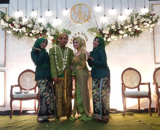 Arek Ulo Ndisiki Felicitations Bon Marriage With Manten Yasintawardhani Wedding Arek Ulo Ndisiki Felicitations Bon Wedding Marriage Bridesmaid