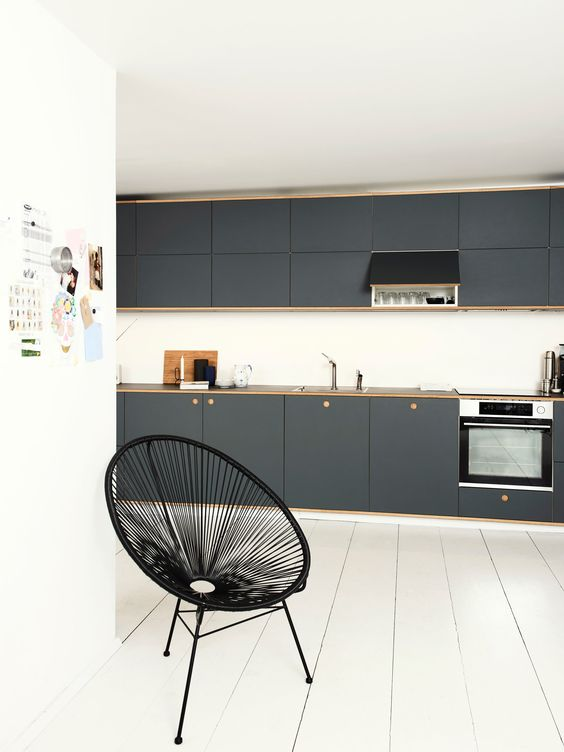 Reform Basis 01 Linoleum kitchen design on IKEA elements. Linoleum fronts in colour 'Pewter' with handles and edges in oak