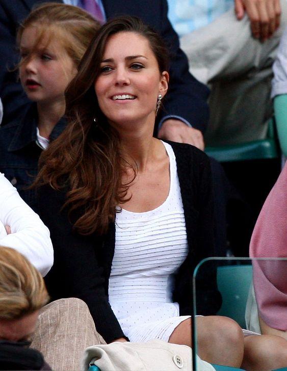 e Championships - Wimbledon 2008 Day SixLONDON - JUNE 28:  Prince William's girlfriend Kate Middleton attends day six of the Wimbledon Lawn ...