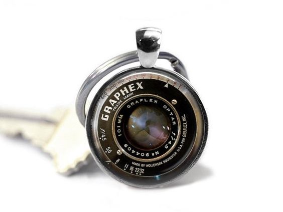 Vintage Camera Lens Keychain - Camera Keychain, Camera Lens Jewelry,Graphix Camera Earrings, gift for wedding photographer by GirlPowerPendants on Etsy https://www.etsy.com/listing/453714228/vintage-camera-lens-keychain-camera
