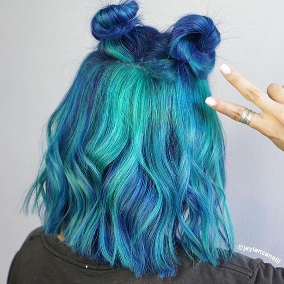 Blue And Green Mixed Color Short Wavy Cool Hair Color Pretty Hair Color Hair Styles