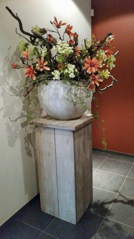 Zijde Bloesem Decoratie En Natuurlijke Deco Takken Decoratietakken Voor Bedrijven Info Www Decoratiestyling Nl Erker Decoratie Decoraties Bloemstukken