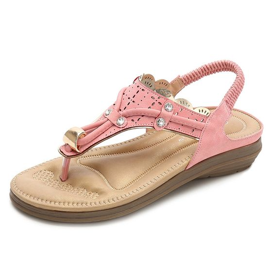 24 Trendy Sandals For Summer To Update You Wardrobe This Summer shoes womenshoes footwear shoestrends