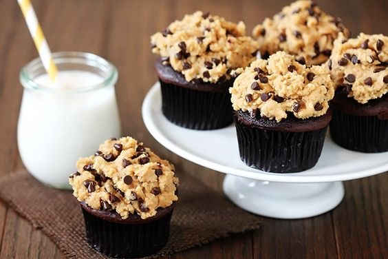 Chocolate cupcakes with cookie dough frosting.....ohh my goodness. yum
