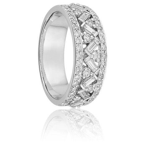 Résultats Google Recherche d'images correspondant à http://m1.ocarat.com/20318-large/alliance-synave-or-blanc-et-diamants-girard.jpg