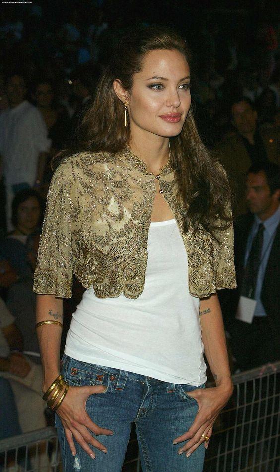 Angelina Jolie photo 742437