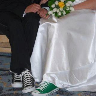 Chuck Taylor wedding shoes :) | Weddings | Pinterest | Colori ...