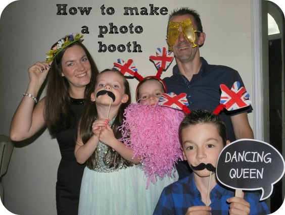 How to make your own Birthday Photo Booth with free print outs