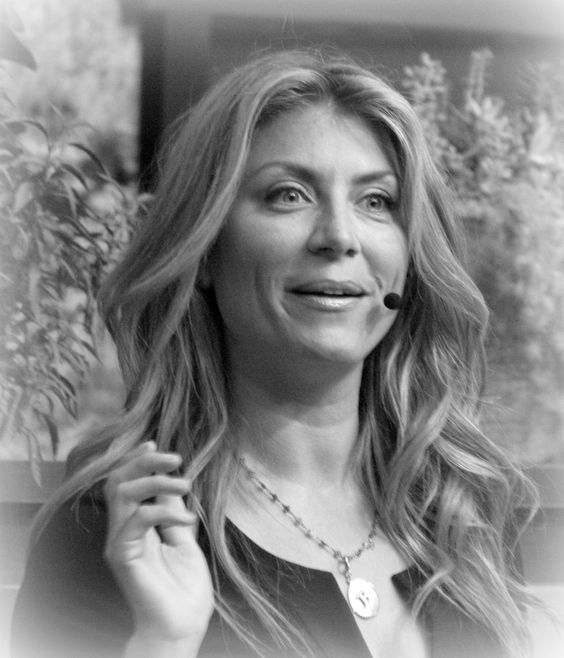 Genevieve Gorder Of HGTV Epcot For The 2012