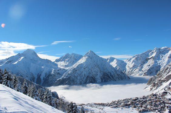 Alpes du Nord, Alpes du Sud, Pyrénées, Massif Central, Jura et Vosges : retrouvez toutes les dates d'ouverture et de fermeture des stations de ski françaises !