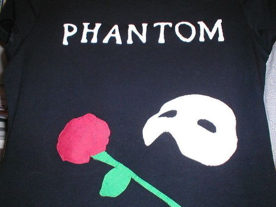 Phantom Of The Opera Tshirt  •  Free tutorial with pictures on how to make a t-shirt in 7 steps