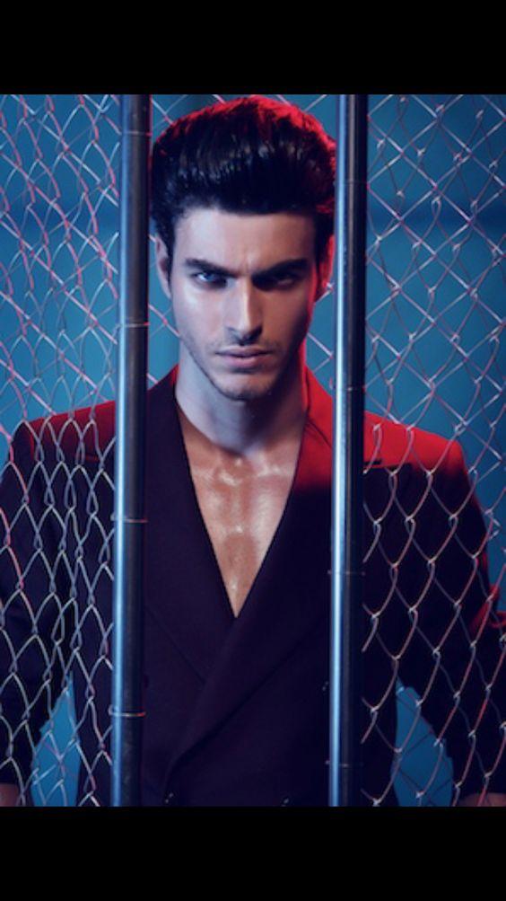 Rhys!!! [Gui Fedrizzi] Exactly how I imagine him!