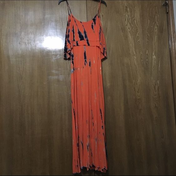 Fun tie dye Maxi dress! Low back, very flowy and hugs your curves Dresses Maxi