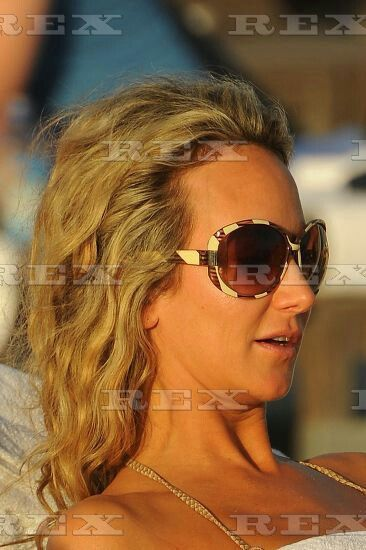 Lady Victoria Harvey drinking a beer and smoking a cigarette on South Beach, Miami, Florida, America - 06 Dec 2013  Lady Victoria Hervey drinking a can of beer  6 Dec 2013