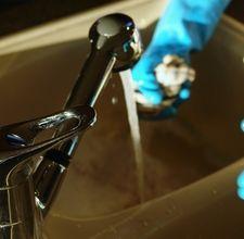 Washing Dishes with Baking Soda & Vinegar