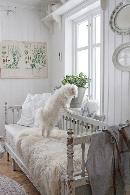 Insanely Cute Cottage Interior