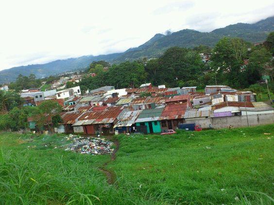 Urbanización La Paz, Torremolinos Desampa
