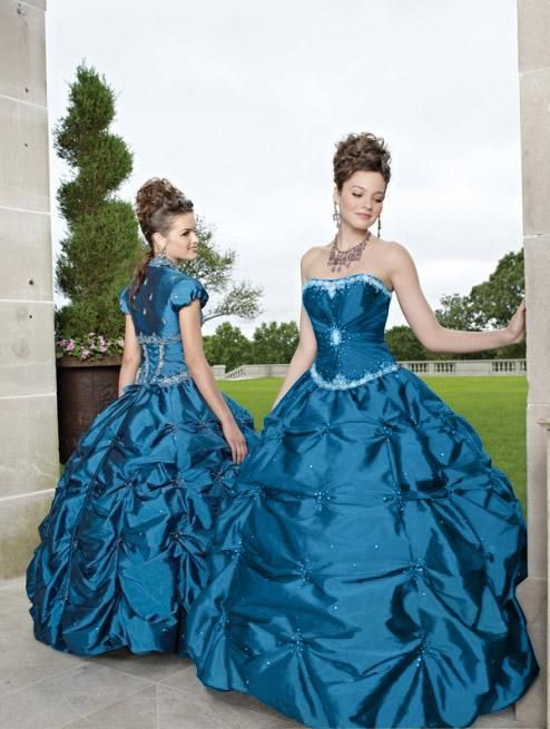 This is the exact dress I wore to junior prom. Funny that I just found it on Pinterest