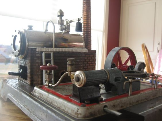 Wilesco D16 model stationary steam engine