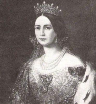 Al fallecer la Duquesa de Leuchtenberg, en 1851, la tiara fue heredada por su hija mayor, la entonces Reina Josefina de Suecia, por su matrimonio con el Rey Oscar I.Originalmente, la tiara se encontraba rematada por perlas, como podemos apreciar en la imagen de la Reina Josefina.