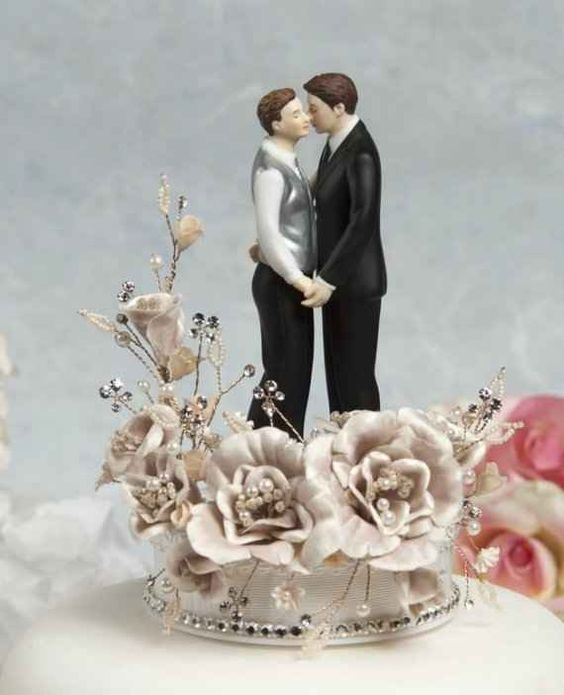 lesbian wedding cake topper 21 cake toppers for your fabulously unique wedding 5498