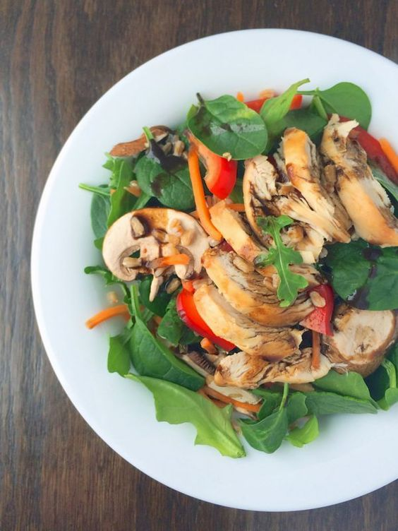 Spinach Power Salad with Chicken and Farro - The Lemon Bowl