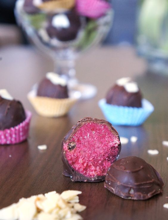 Cookie Dough Pralinés - the recipe now on the blog!