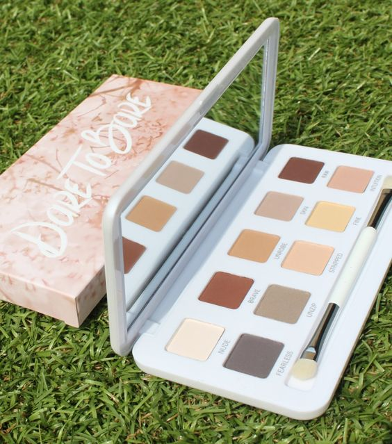 Dare to Bare Eyeshadow Palette