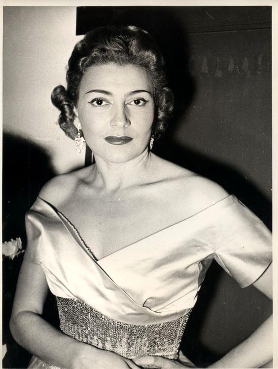 Foto Nilla Pizzi, il nome di una regina - 1 di 10 - Bologna ...
