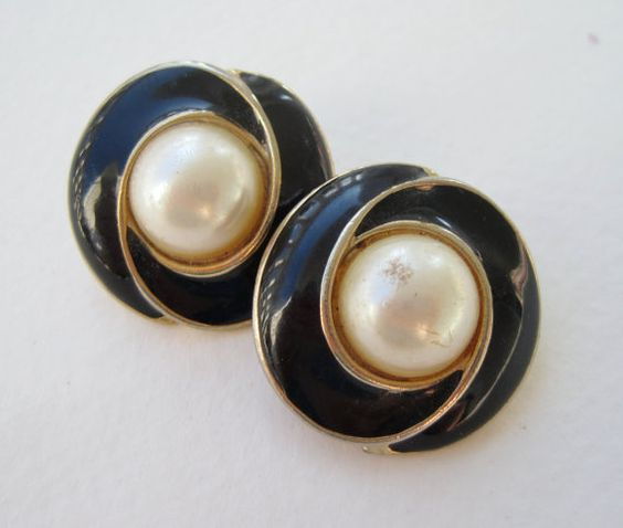 Vintage 80s Traditional Preppy Goldtone Faux Pearl Cabochon Domed Black Enamel Earrings by ThePaisleyUnicorn, $1.50