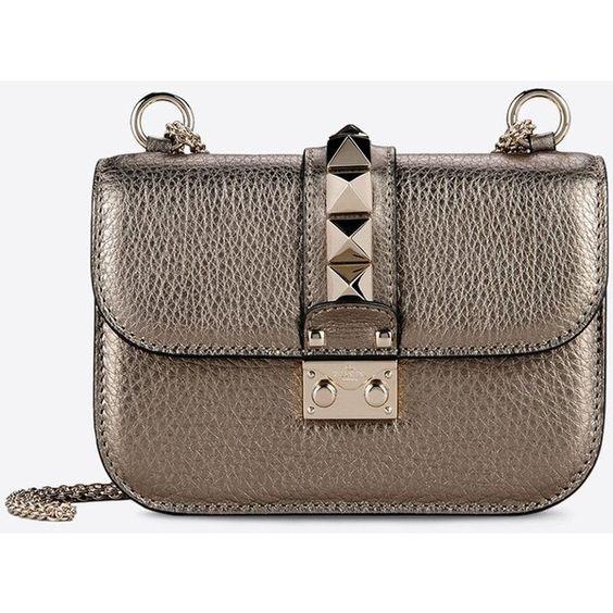 Valentino Garavani Small Chain Cross Body Bag (7.055 BRL) ❤ liked on Polyvore featuring bags, bronze, brown bag, metallic crossbody bag, chain shoulder bag, chain bag and brown crossbody bag