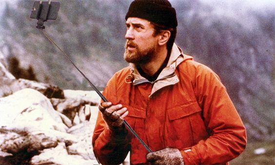 Les flingues remplacés par des selfie-sticks dans des scènes cultes : The Deer Hunter