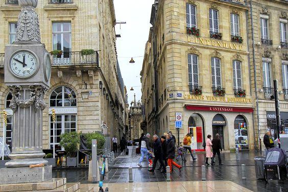 По этой улочке можно пройти до церкви Notre Dame