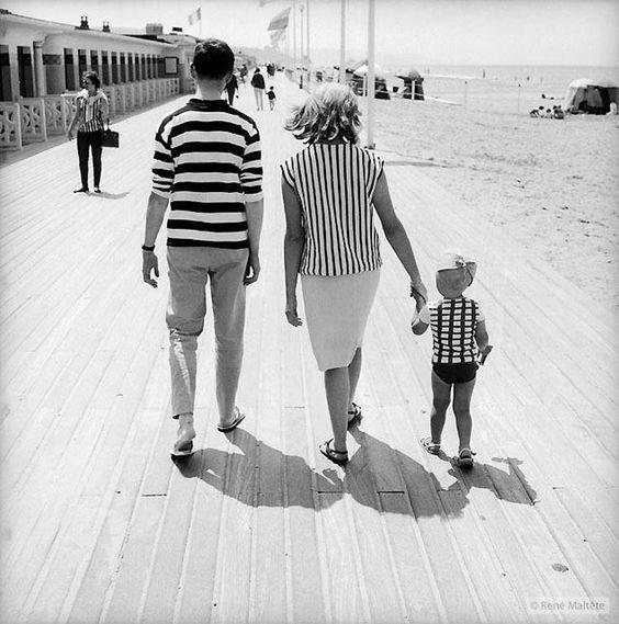 Précurseur de la street photography, le photographe français René Maltête (1930 - 2000) acapturé les scènes insolites du quotidien, croisées au hasard