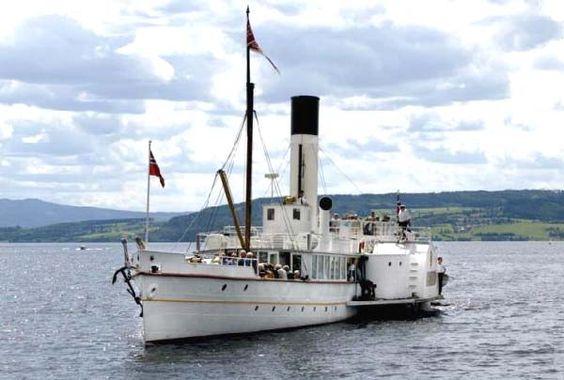 Skibladner, verdens eldste hjulbåt i drift på Norges største innsjø Mjøsa