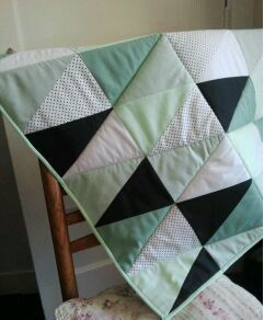 Triangle quilt (boxkleed)