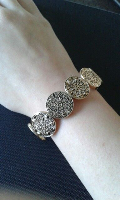 Bronze/vintage/flowery bracelet/decorated with dull  bronze