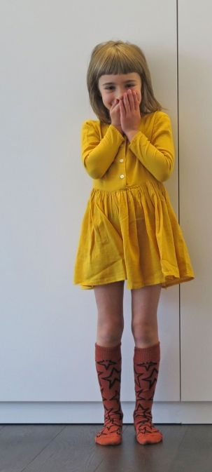 Adore the offbeat color, the knee socks and the shorty short length! Goldfish.be #estella #kids #fashion:
