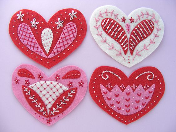 Pretty Valentine's Day felt hearts for 2016