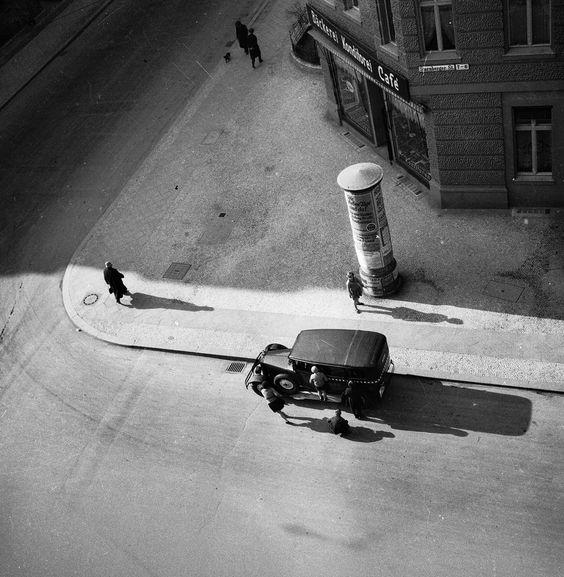 Eva Besnyö  Starnberger Straße, Berlin 1931
