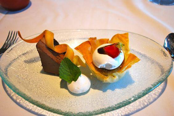 Dessert au restaurant le splendide, Moelleux au chocolat, #croisiere gourmande. Croisières de France #croisiere en #meditteranee  #croisieresdefrance