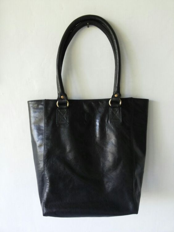Bagera leather tote bag. Black