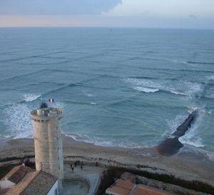 L'île qui veut désaliniser l'eau de mer grâce aux vagues
